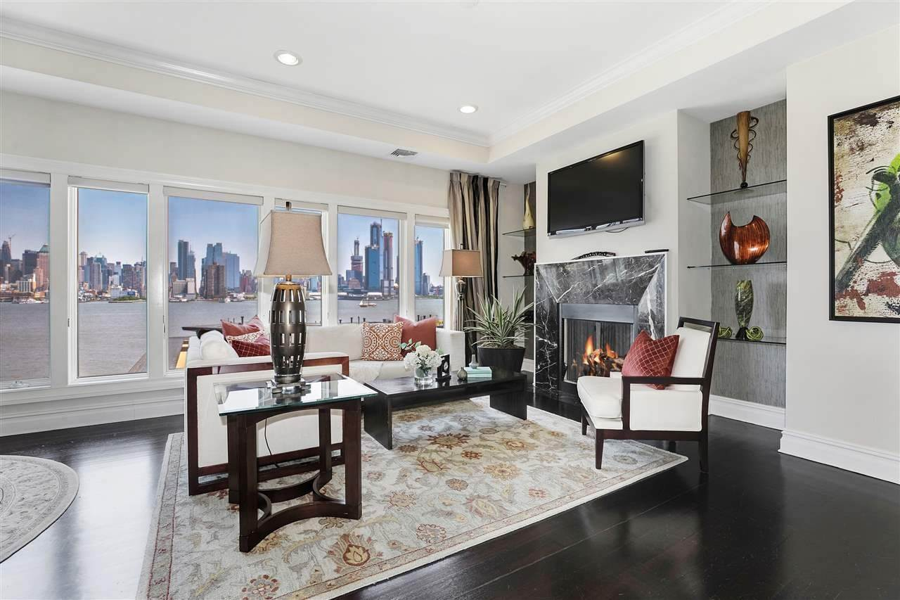 6. Single Family Home for Rent at 50 CAMBRIDGE WAY #50 Weehawken, New Jersey, 07302 United States