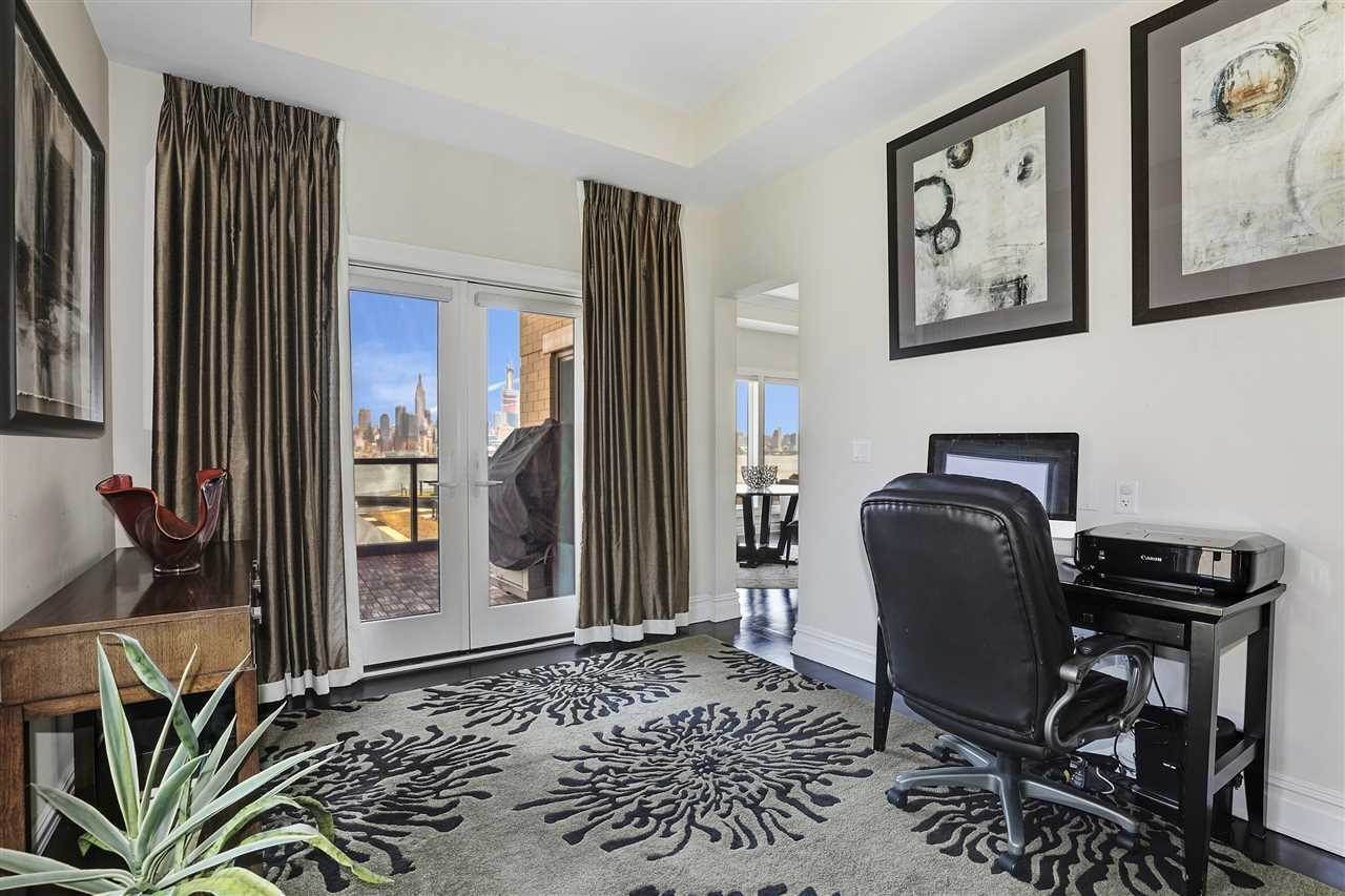7. Single Family Home for Rent at 50 CAMBRIDGE WAY #50 Weehawken, New Jersey, 07302 United States