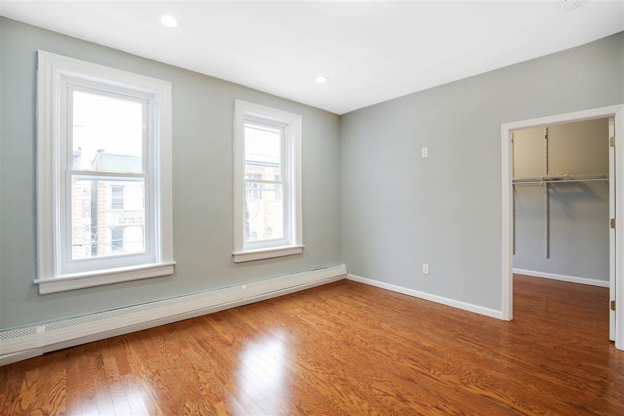 11. Single Family Home for Rent at 232 VAN HORNE STREET #5 Jersey City, New Jersey, 07304 United States