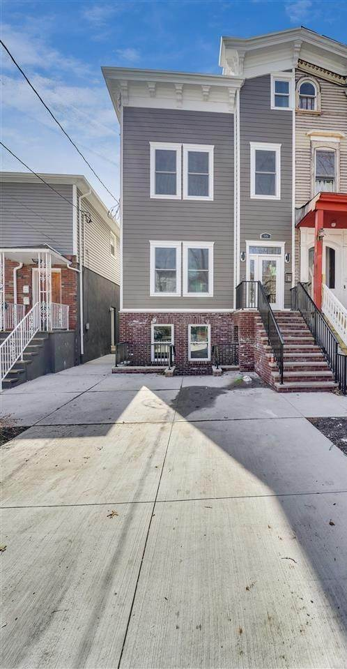 15. Condominium for Sale at 99 SHERMAN PLACE #1 Jersey City, New Jersey, 07307 United States