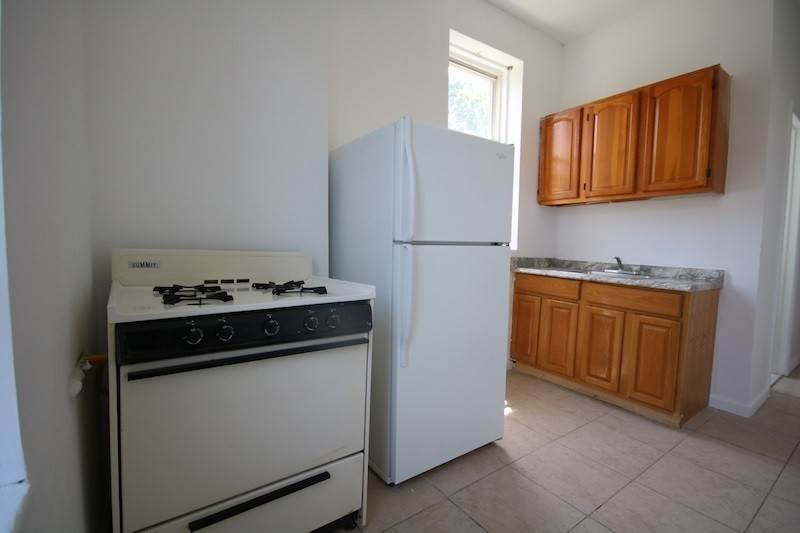 11. Single Family Home for Rent at 310 28TH STREET #4 Union City, New Jersey, 07087 United States