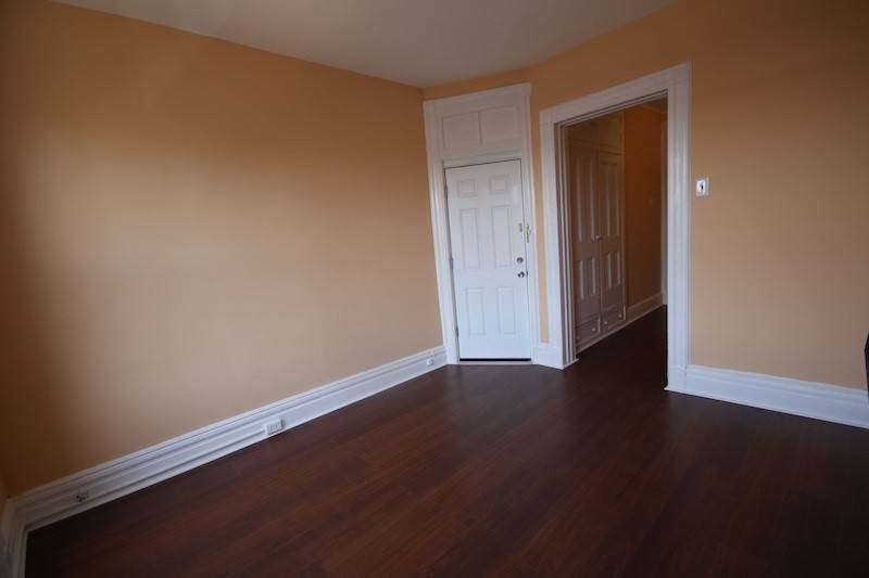 3. Single Family Home for Rent at 310 28TH STREET #4 Union City, New Jersey, 07087 United States