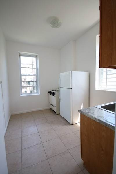 10. Single Family Home for Rent at 310 28TH STREET #4 Union City, New Jersey, 07087 United States