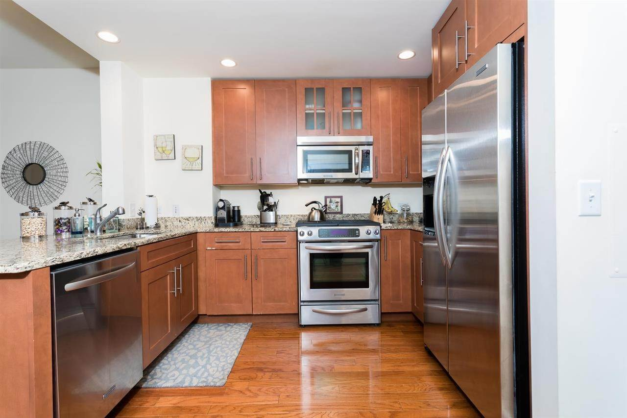 7. Single Family Home for Rent at 1125 MAXWELL LANE #630 Hoboken, New Jersey, 07030 United States