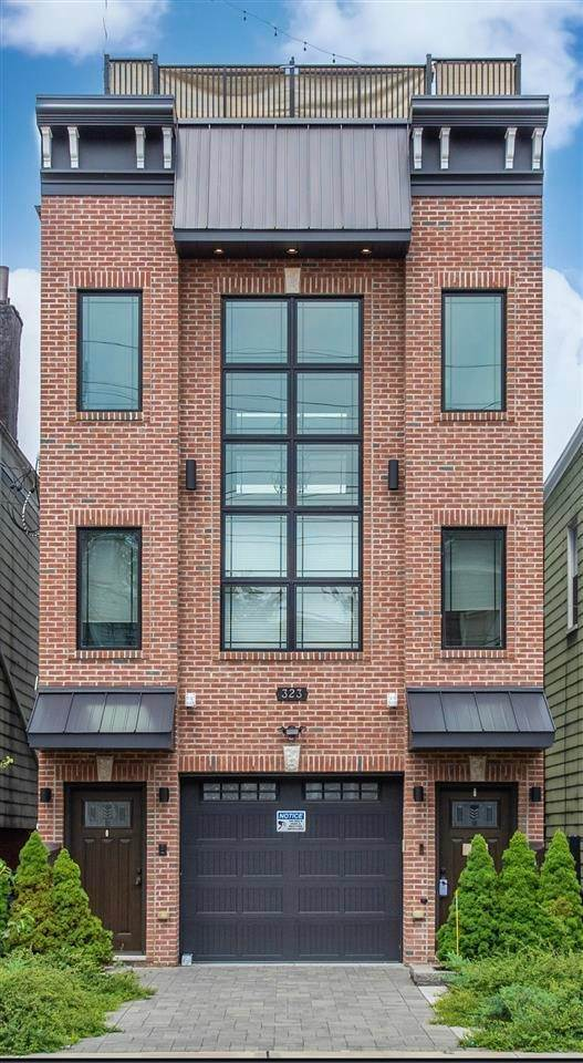 Multi-Family Homes for Rent at 323 NEW YORK AVENUE #2 Jersey City, New Jersey, 07307 United States