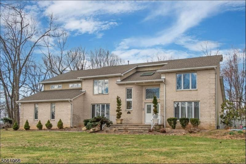 Single Family Home for Sale at 10 Floral Drive Randolph, New Jersey, 07869 United States