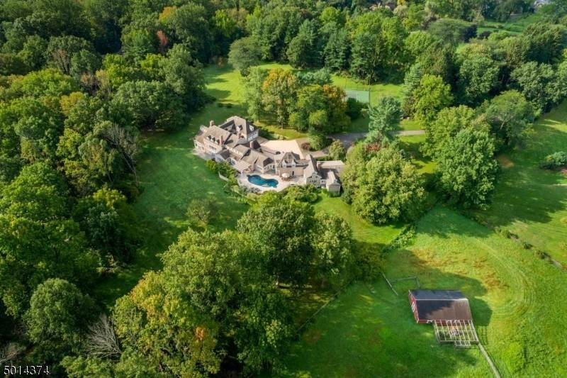 Single Family Home for Sale at 329 Mendham Road Bernardsville, New Jersey, 07924 United States