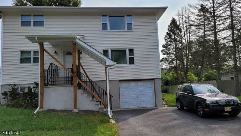 Rentals for Rent at 101 GREENWOOD AVENUE Wanaque, New Jersey, 07420 United States