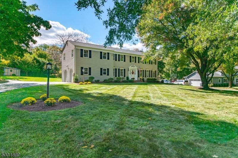 Single Family Home for Sale at 8 DEAN ROAD Mendham Borough, New Jersey, 07945 United States