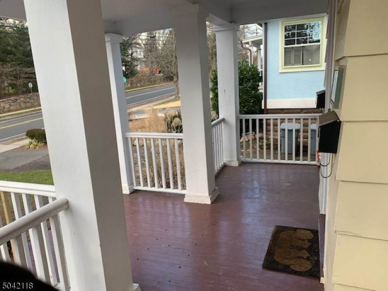 16. Single Family Home for Rent at 584 Ridgewood Road #1 Maplewood, New Jersey, 07040 United States