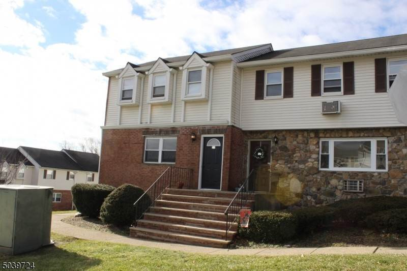 Condo / Townhouse for Rent at 322 RICHARD MINE ROAD - D9 #9 Rockaway Township, New Jersey, 07885 United States