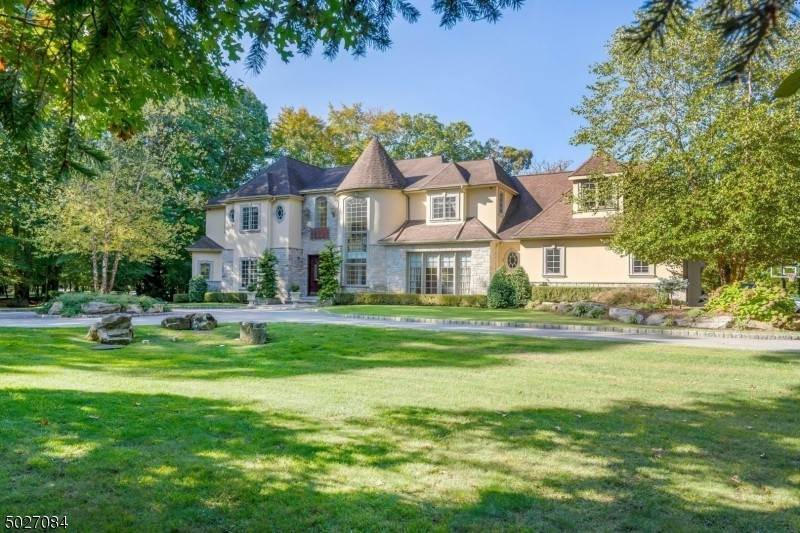 Single Family Home for Sale at 7 BURNING HOLLOW ROAD Saddle River, New Jersey, 07458 United States