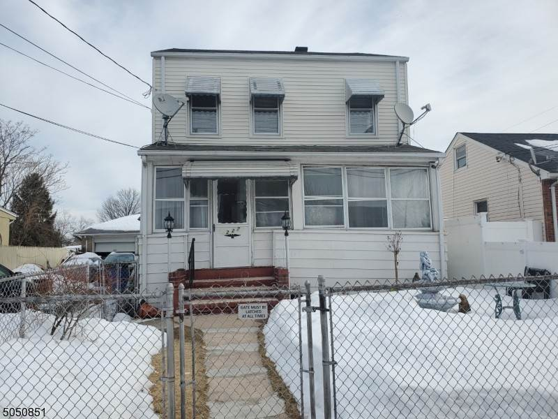 Rentals for Rent at 225 Trenton Avenue Paterson, New Jersey, 07503 United States