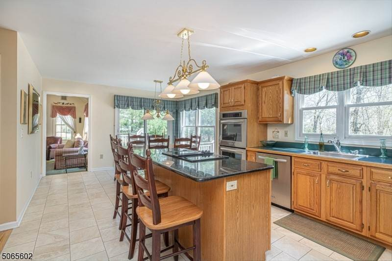 6. Single Family Home for Sale at 4 Glenview Lane Vernon, New Jersey, 07461 United States