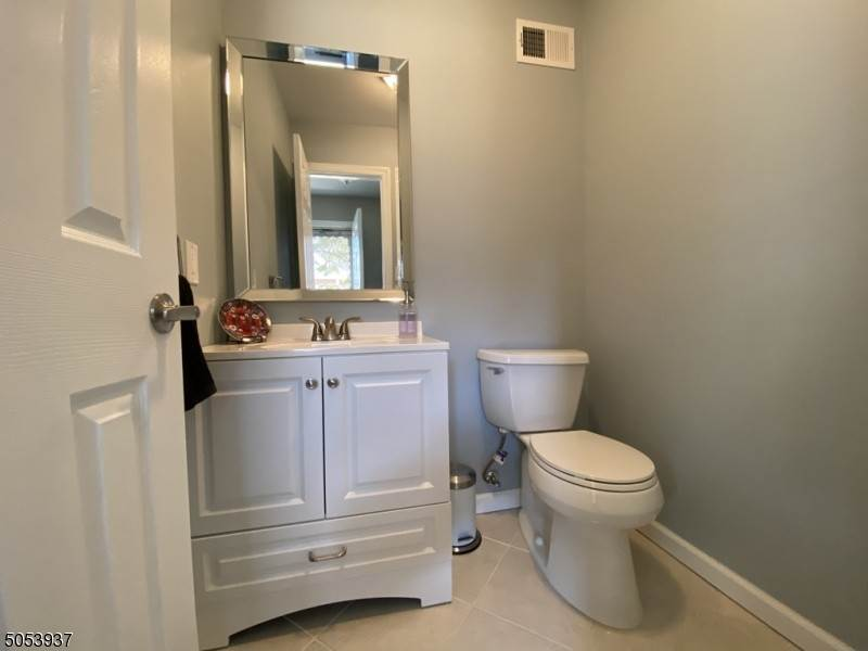 8. Condo / Townhouse for Rent at 23 Burnham COURT Scotch Plains, New Jersey, 07076 United States