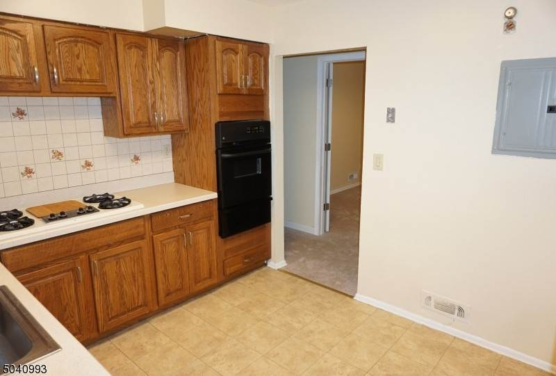 6. Rentals for Rent at 630 MIDDLESEX STREET Linden, New Jersey, 07036 United States