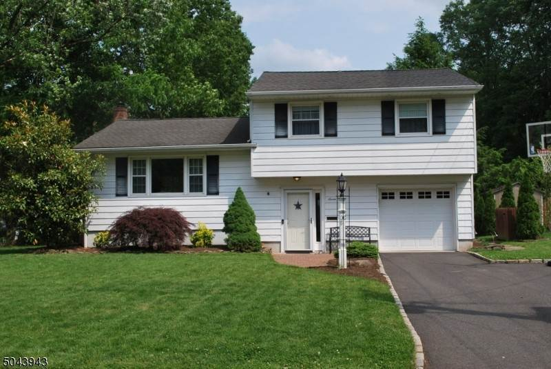 Single Family Home for Sale at 7 THORNE PLACE Fanwood, New Jersey, 07023 United States