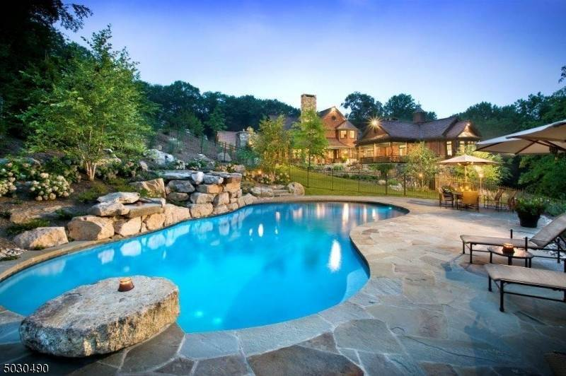 Single Family Home for Sale at 22 SCHOOLHOUSE LANE Mendham, New Jersey, 07960 United States