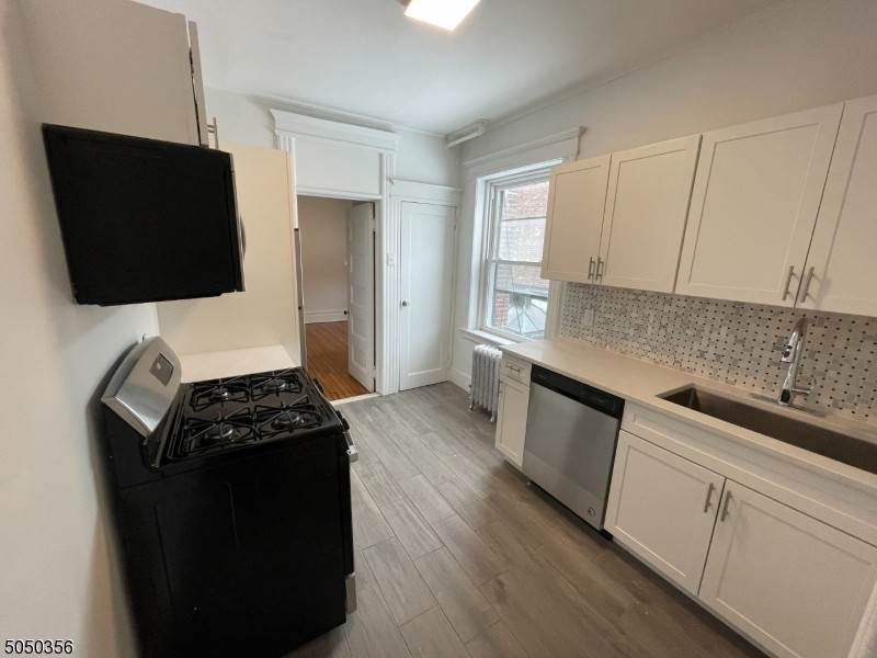 Single Family Home for Rent at 570 Bloomfield Avenue #2 Montclair, New Jersey, 07042 United States