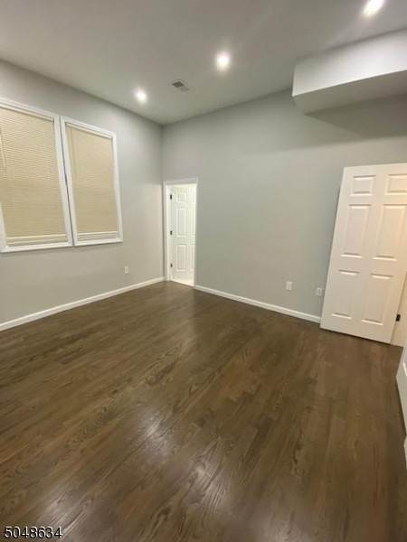 10. Rentals for Rent at 316 Morris Avenue Apt 2 #2 Elizabeth, New Jersey, 07208 United States