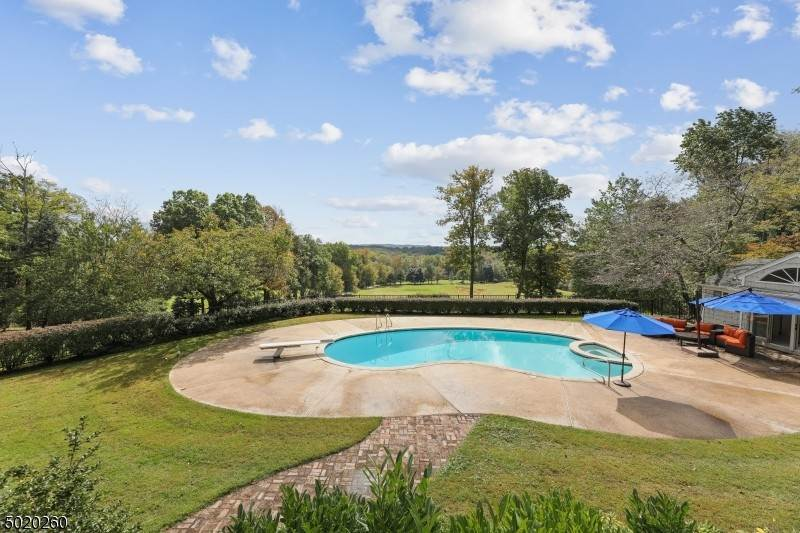 Single Family Home for Sale at 230 MOUNTAINSIDE ROAD Mendham Borough, New Jersey, 07945 United States