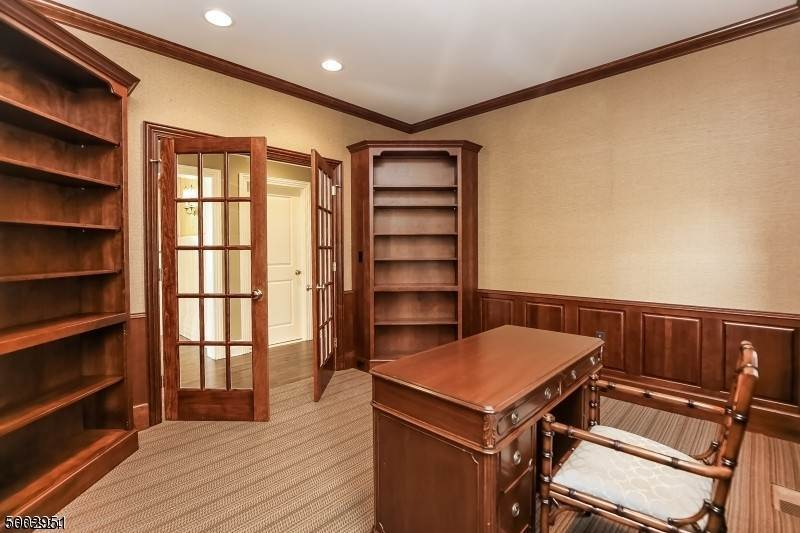 12. Single Family Home for Sale at 111 WHITTREDGE ROAD Summit, New Jersey, 07901 United States