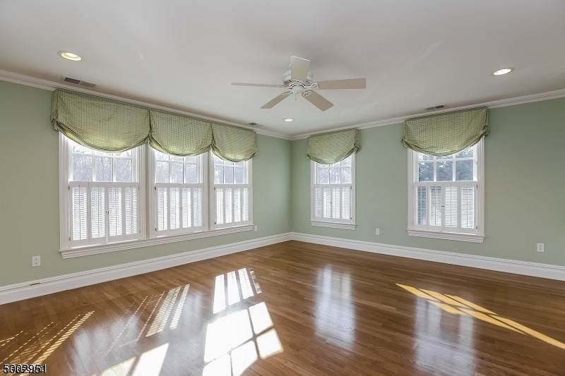 13. Single Family Home for Sale at 111 WHITTREDGE ROAD Summit, New Jersey, 07901 United States