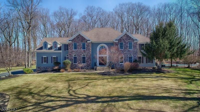 Single Family Home for Sale at 24 Shadowbrook Way Randolph, New Jersey, 07945 United States