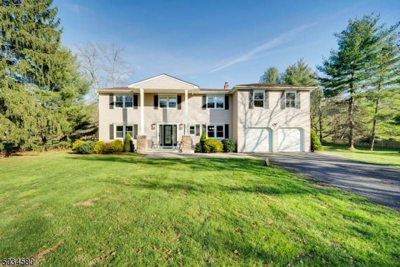 Single Family Home for Sale at 24 DRIVEAKE ROAD Mendham Borough, New Jersey, 07945 United States
