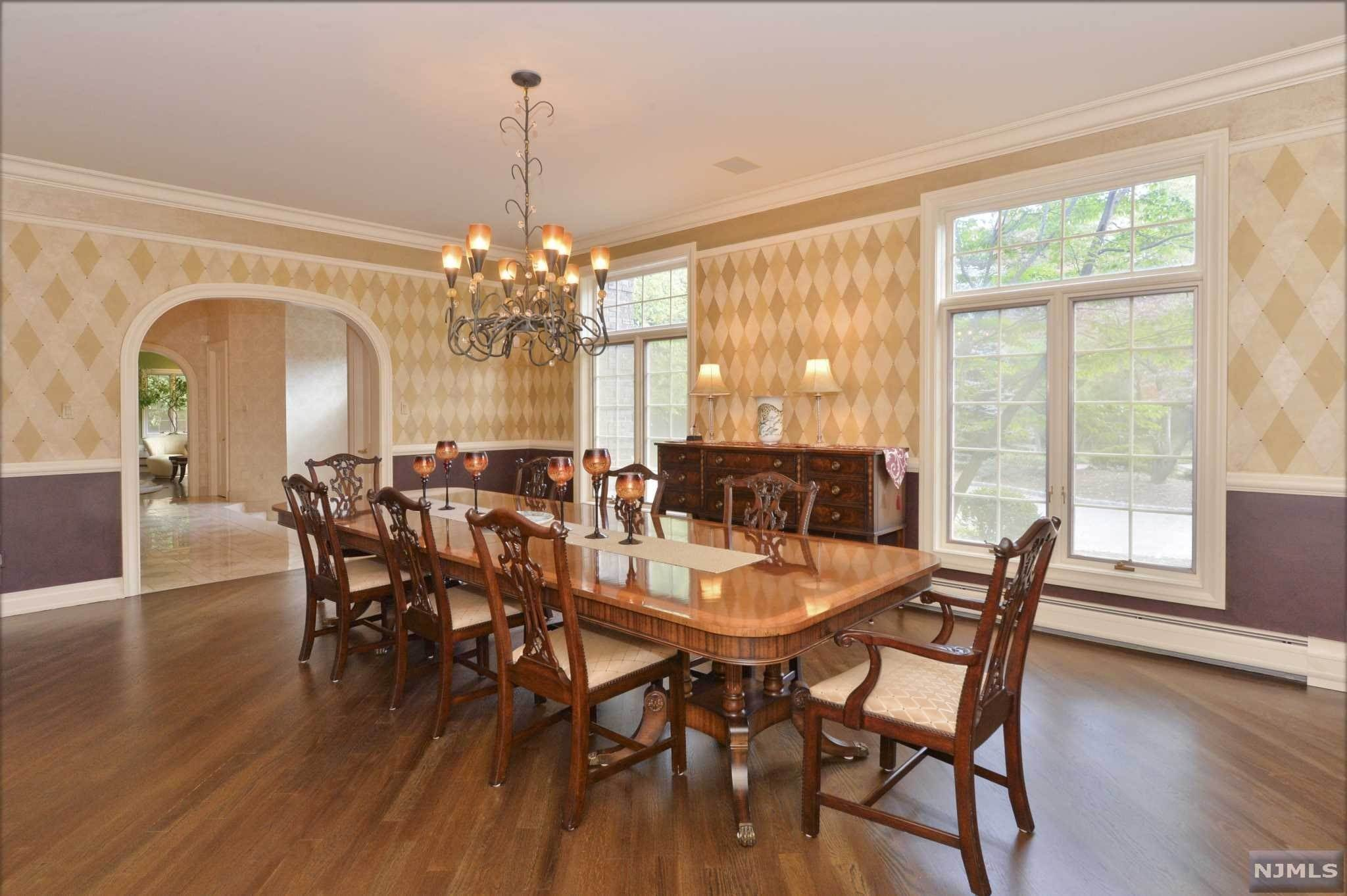 12. Single Family Home for Sale at 8 Shinnecock Trail Franklin Lakes, New Jersey, 07417 United States