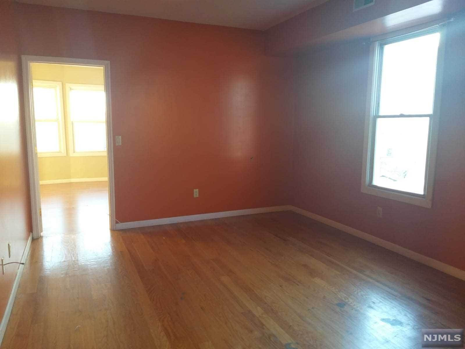 4. Rental Communities for Rent at 328 Cross Street #2 Harrison, New Jersey, 07029 United States