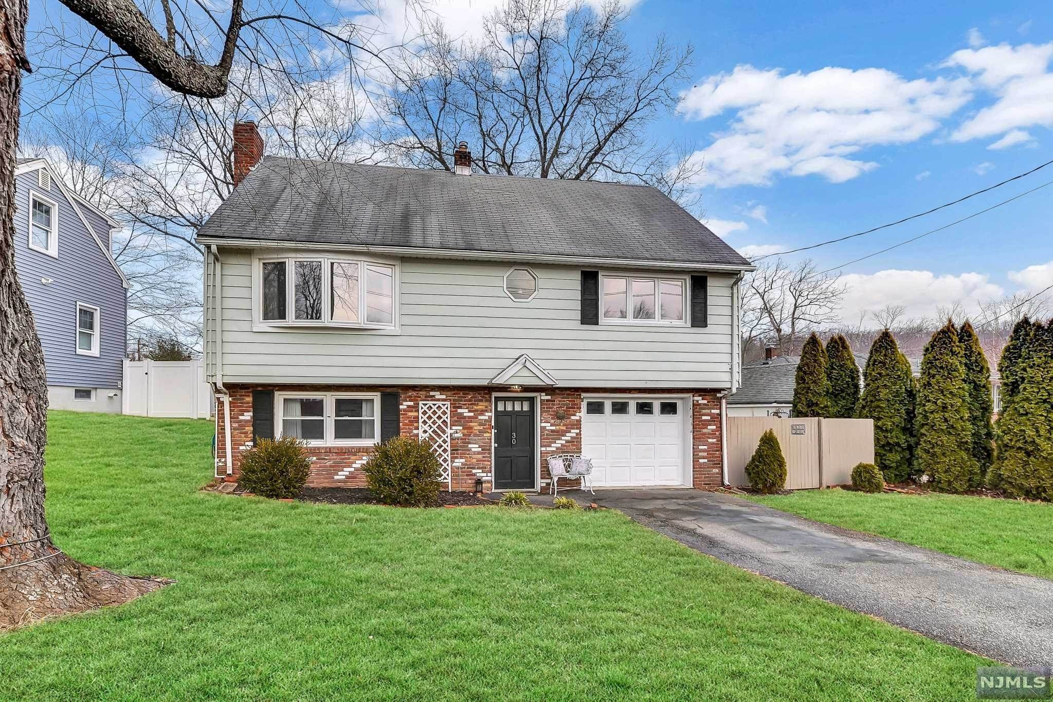 Single Family Home for Sale at 30 Sylvan Lane Ringwood, New Jersey, 07456 United States