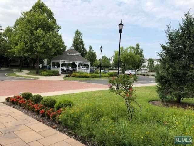21. Rental Communities for Rent at 3201 The Plaza #3201 Tenafly, New Jersey, 07670 United States