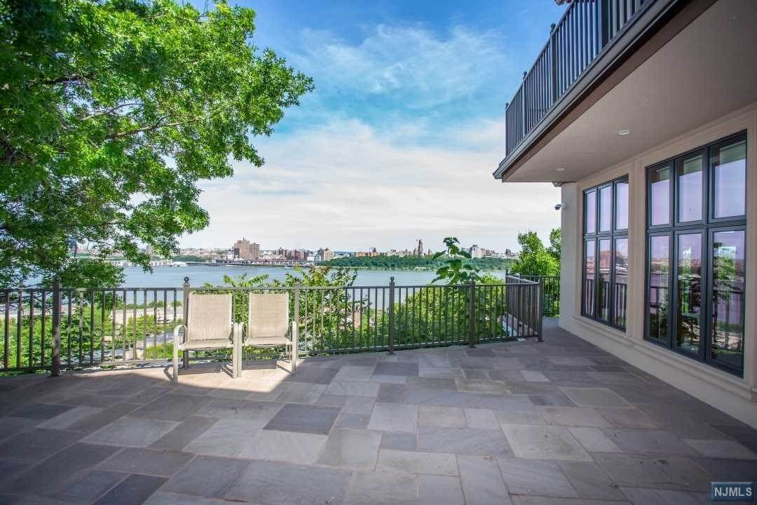 10. Rental Communities for Rent at 1 Columbia Avenue Cliffside Park, New Jersey, 07010 United States