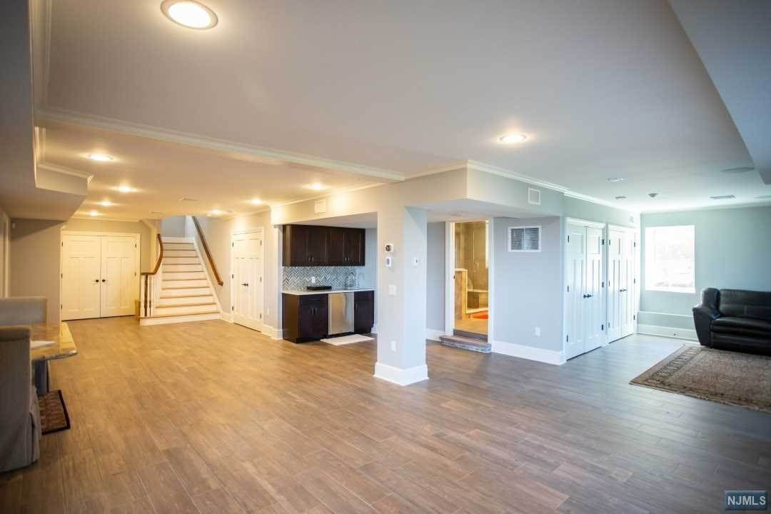11. Rental Communities for Rent at 1 Columbia Avenue Cliffside Park, New Jersey, 07010 United States