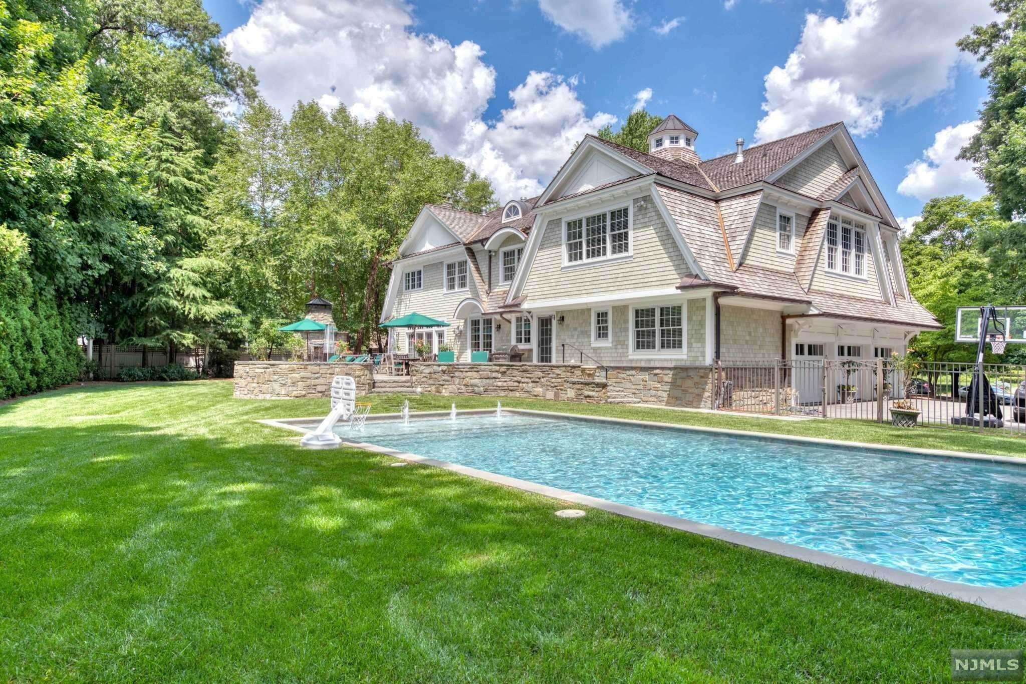 Single Family Home for Sale at 273 Cedar Court Wyckoff, New Jersey, 07481 United States