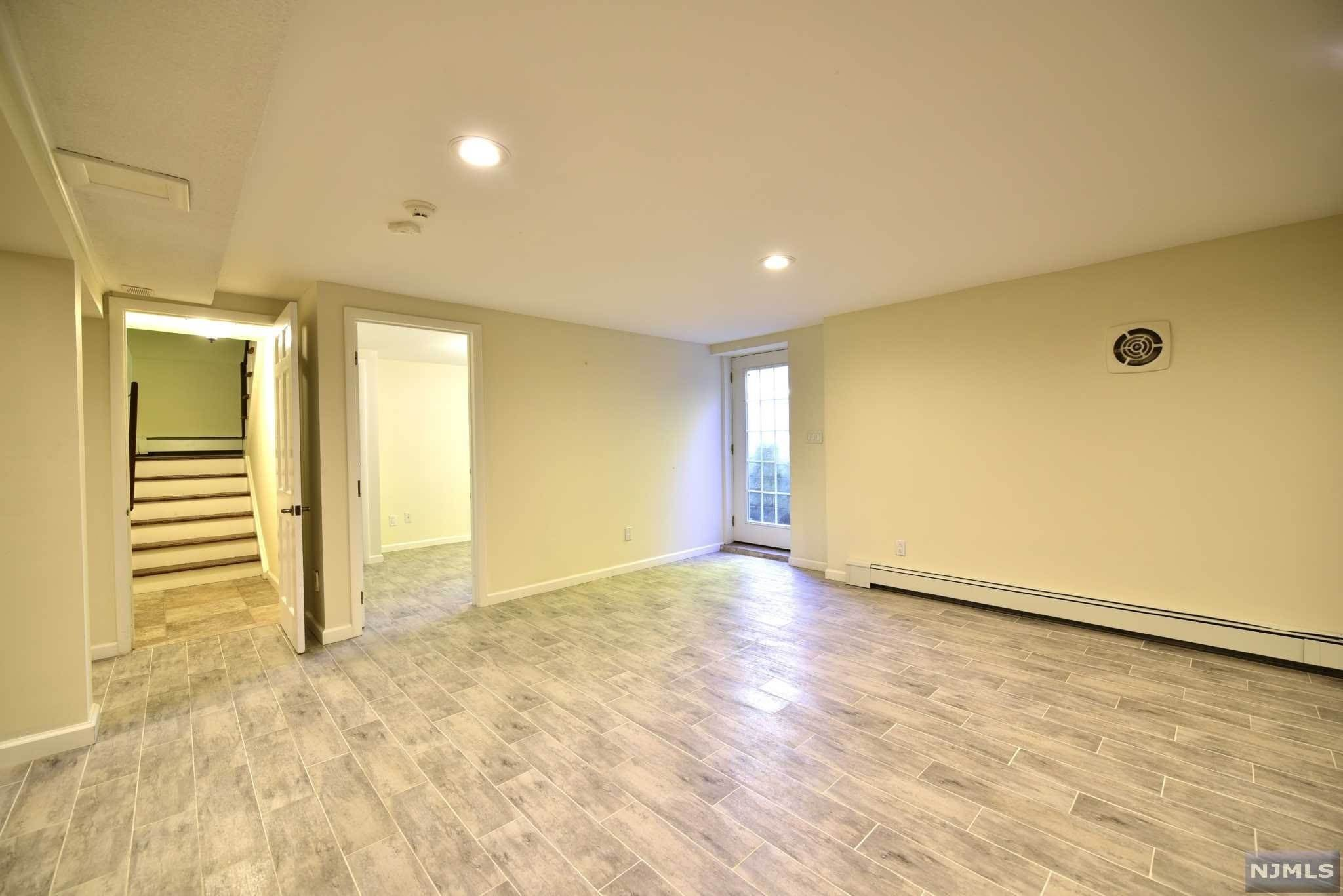 15. Rental Communities for Rent at 23 Pike Street Alpine, New Jersey, 07620 United States