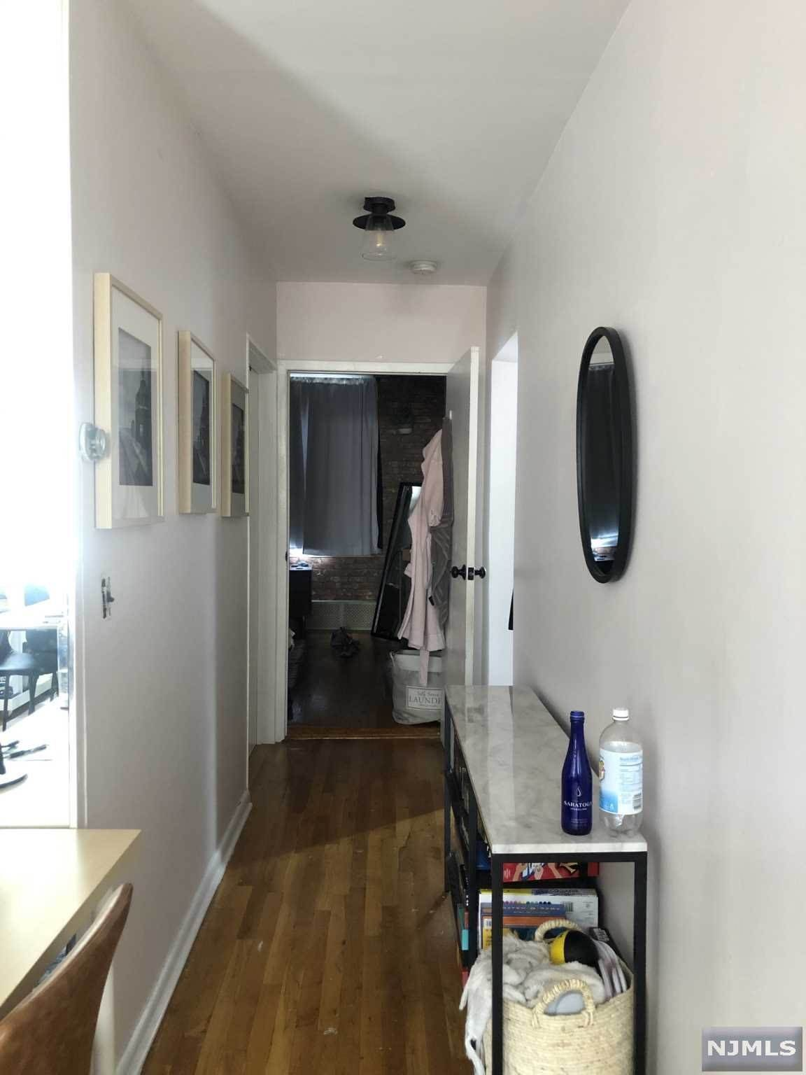7. Rental Communities for Rent at 239 Bloomfield Street #3 Hoboken, New Jersey, 07030 United States