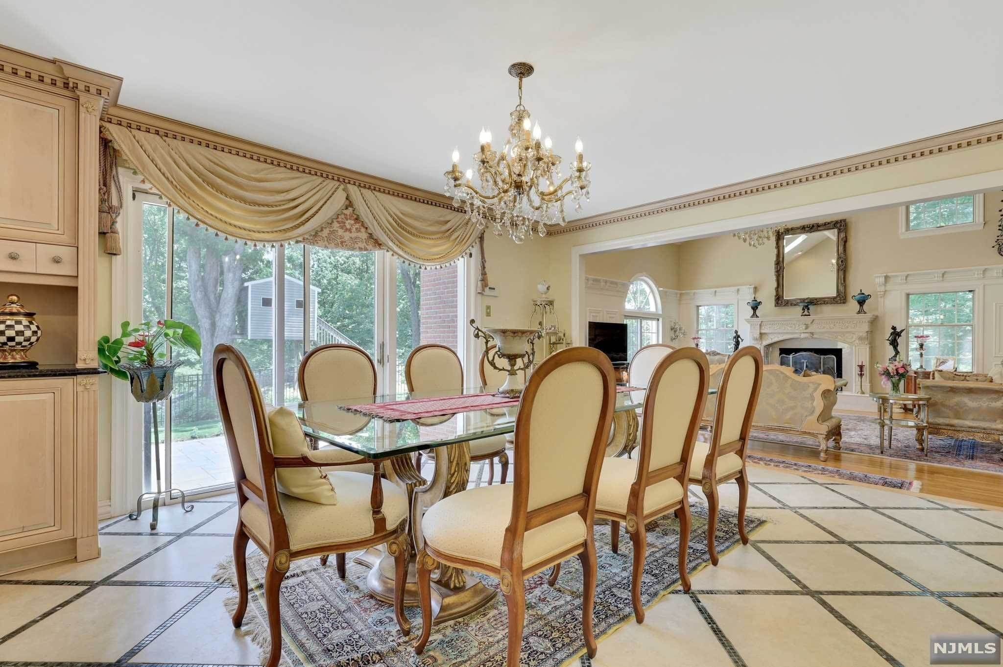 10. Single Family Home for Sale at 687 Butternut Drive Franklin Lakes, New Jersey, 07417 United States