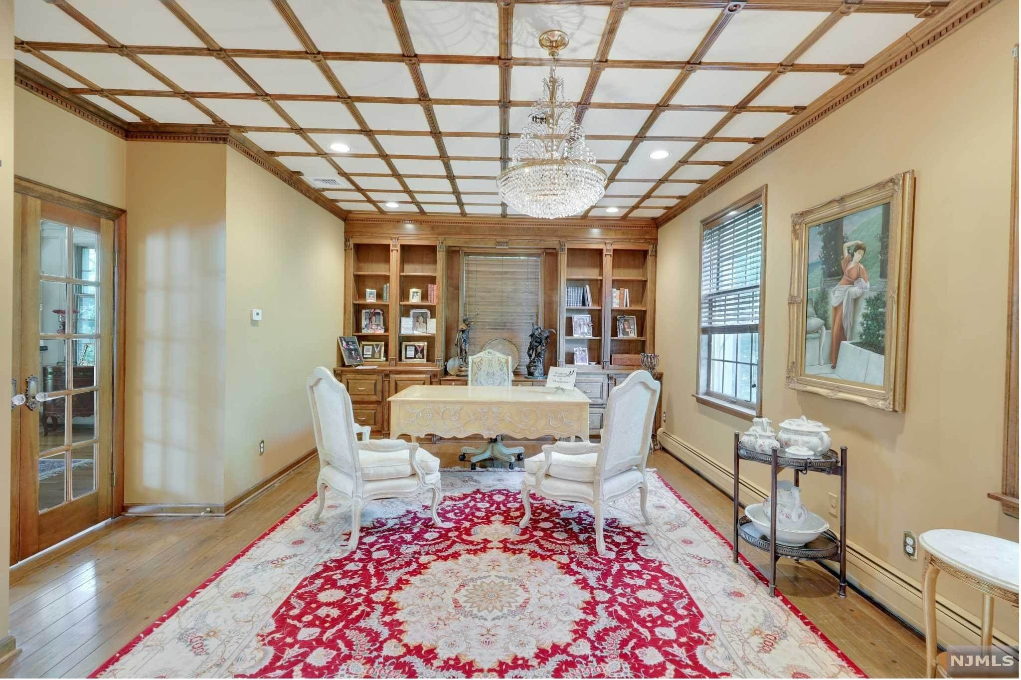 6. Single Family Home for Sale at 687 Butternut Drive Franklin Lakes, New Jersey, 07417 United States
