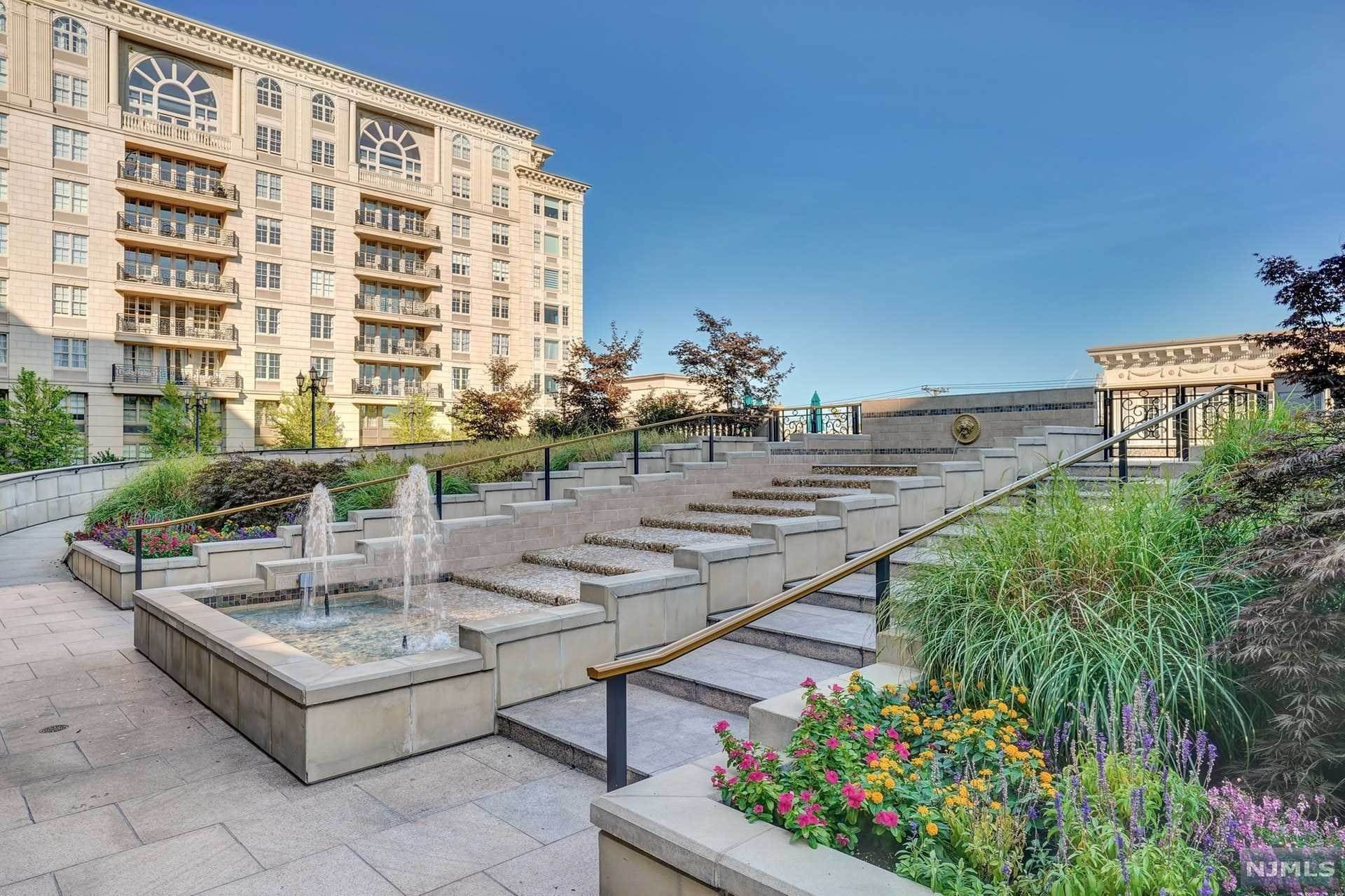 2. Rental Communities for Rent at 100 Alexander Way #PH 915 Edgewater, New Jersey, 07020 United States