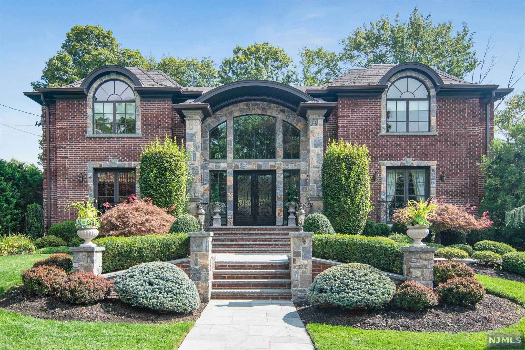 Single Family Home for Sale at 18 Maple Street Englewood Cliffs, New Jersey, 07632 United States