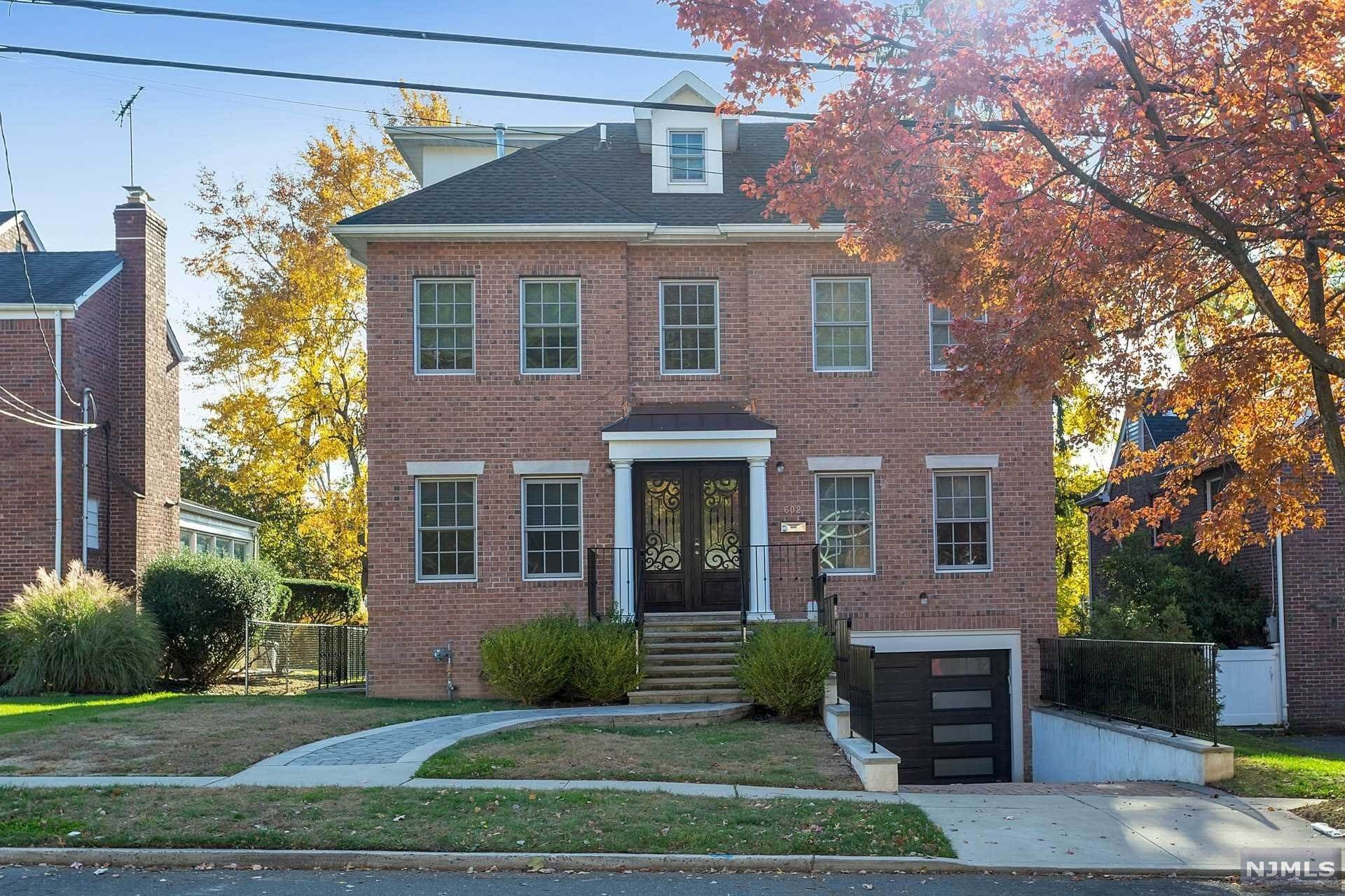 Single Family Home for Sale at 602 Maitland Avenue Teaneck, New Jersey, 07666 United States