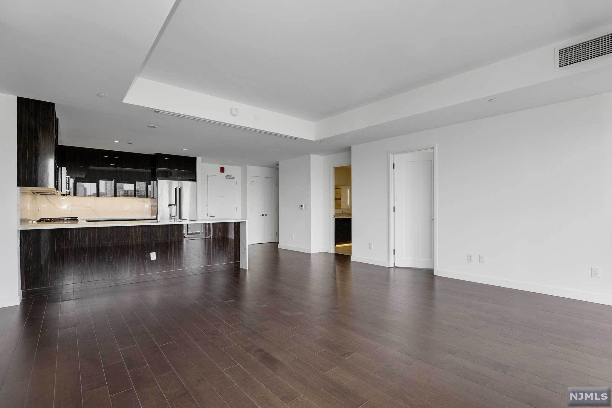 Rental Communities for Rent at 800 AVENUEAT PORT IMPERIAL #603 Weehawken, New Jersey, 07086 United States