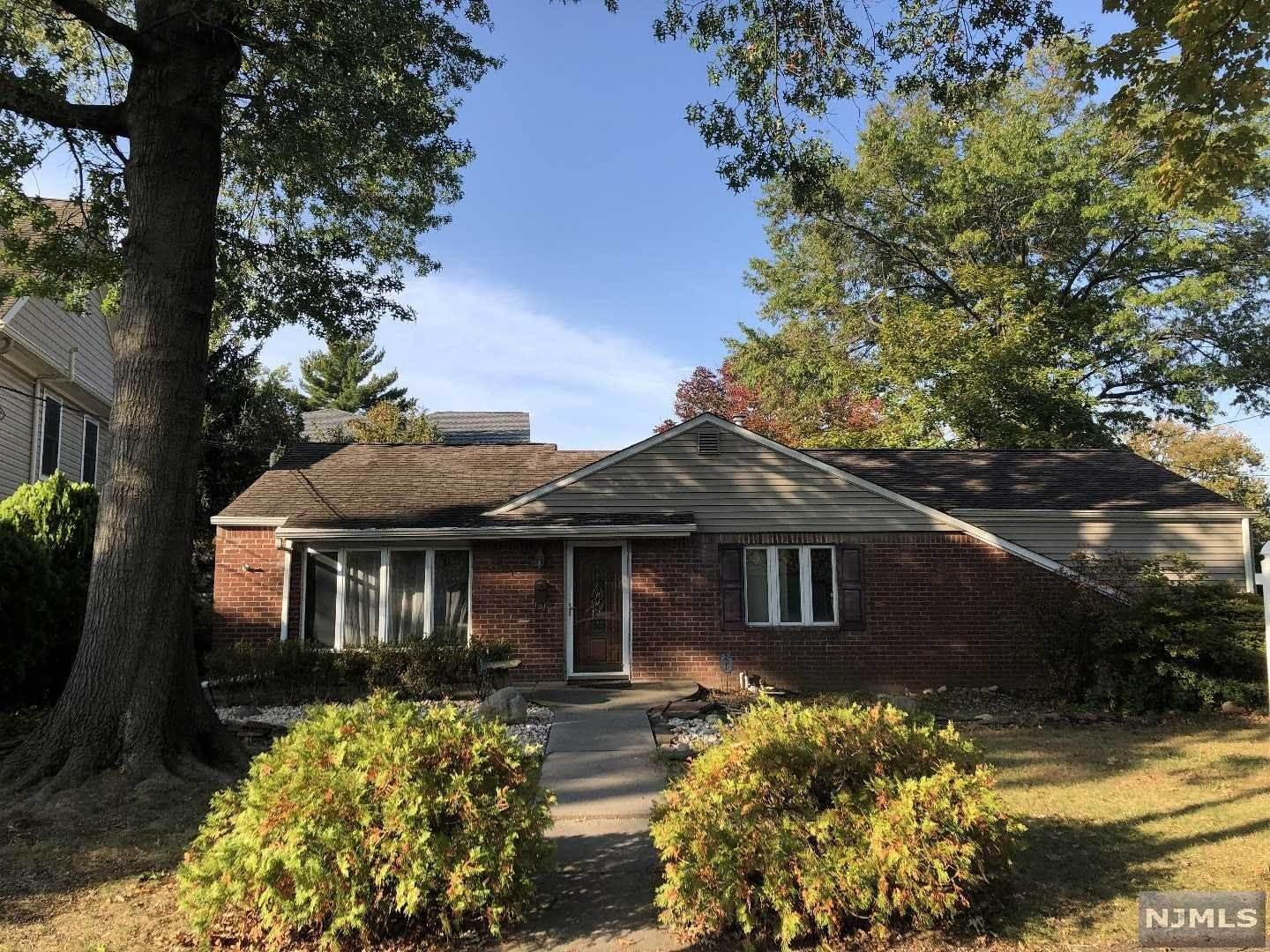 Single Family Home for Sale at 231 South Beech Drive River Edge, New Jersey, 07661 United States