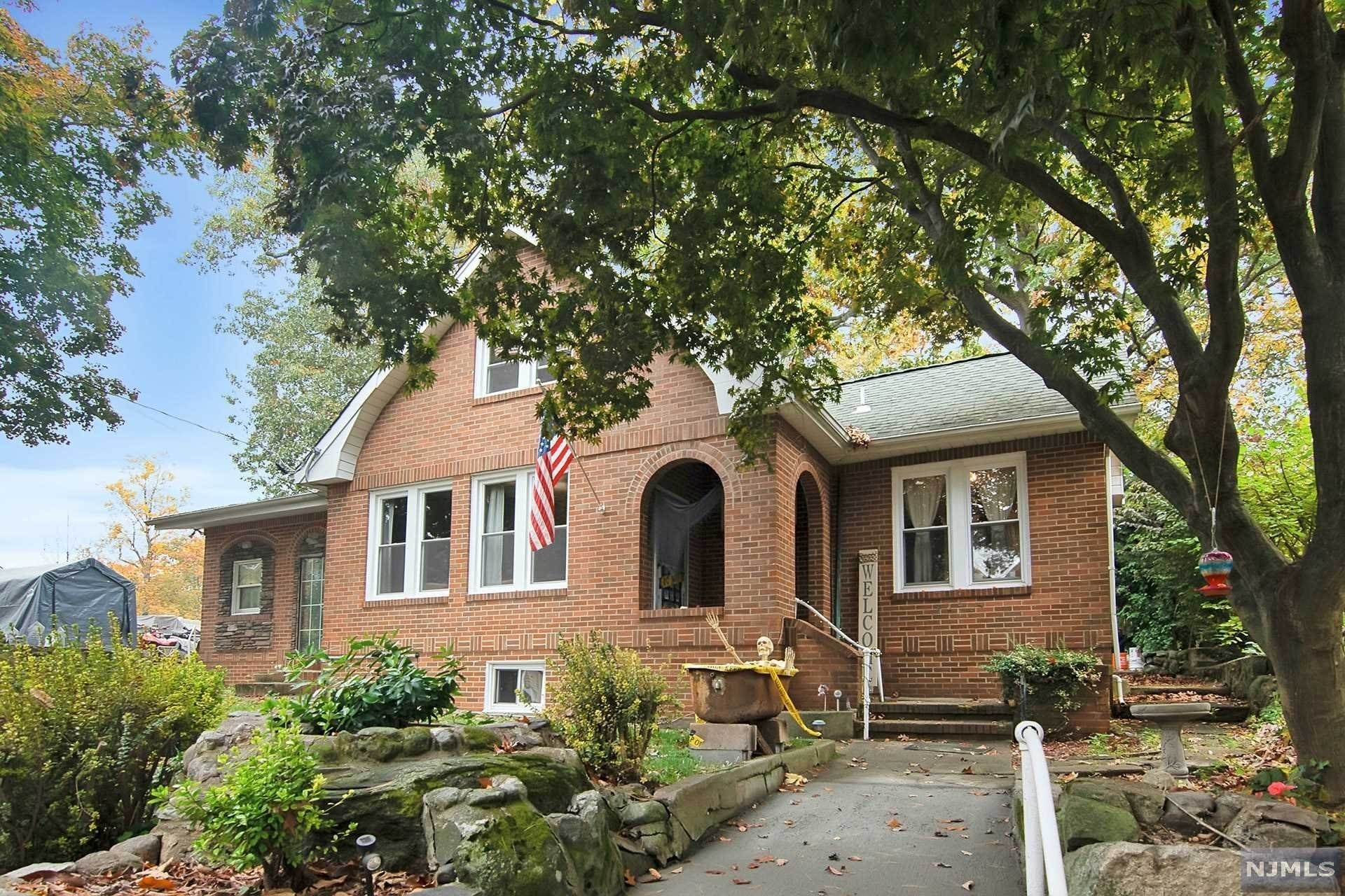 Single Family Home for Sale at 34 Oliver Place Ringwood, New Jersey, 07456 United States
