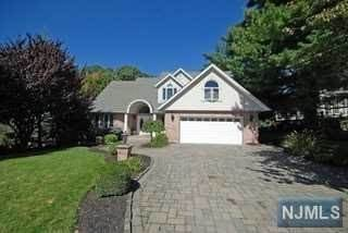 Single Family Home for Sale at 224 Satterthwaite Avenue Nutley, New Jersey, 07110 United States