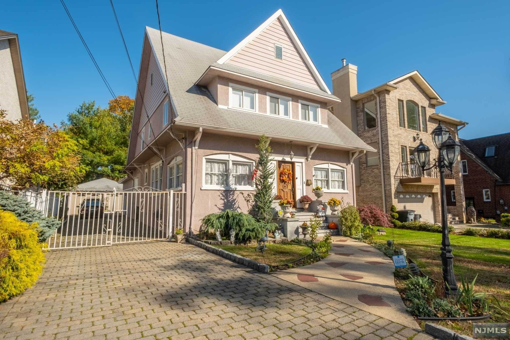 Single Family Home for Sale at 23 Riverview Avenue Cliffside Park, New Jersey, 07010 United States