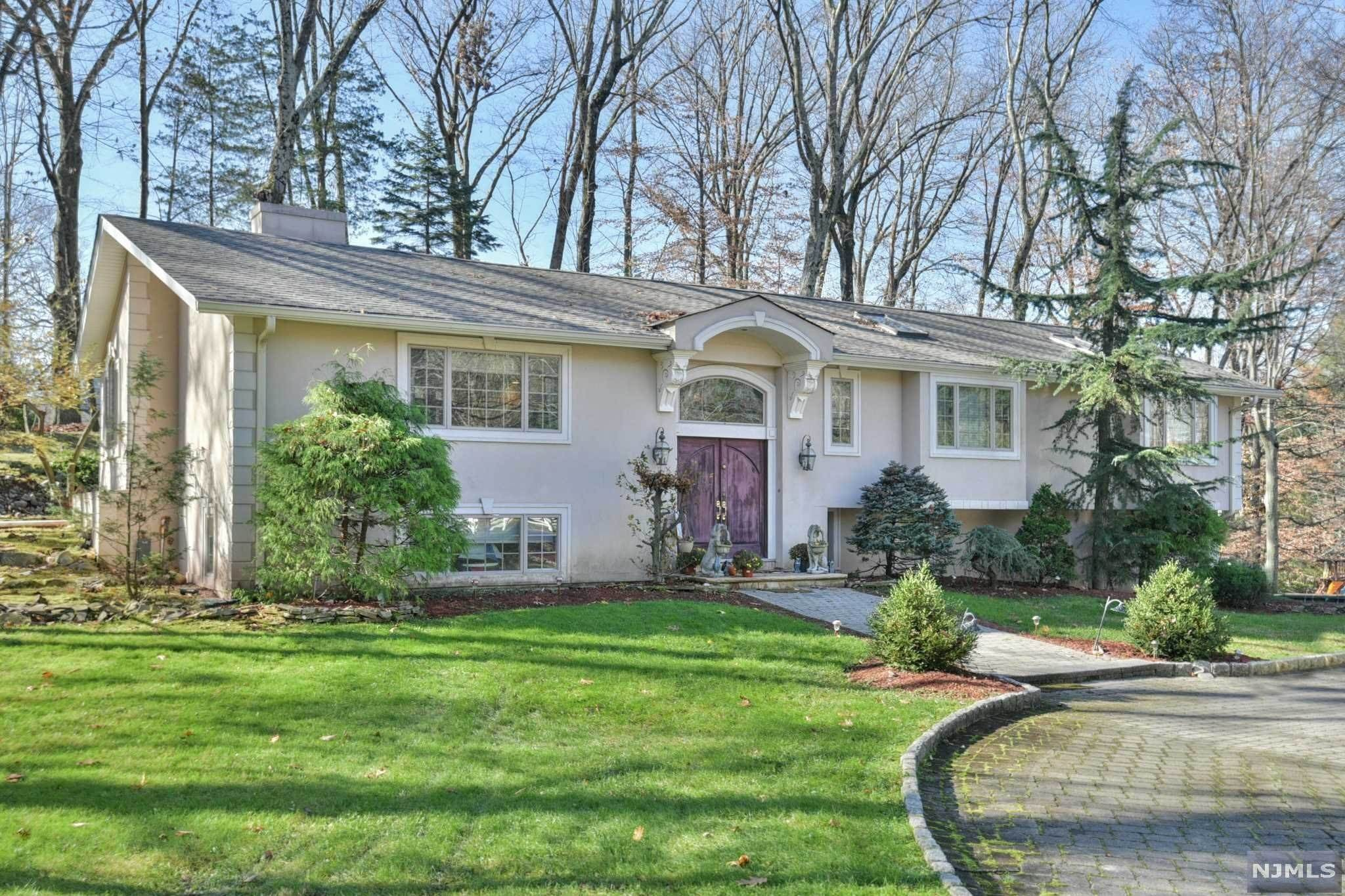 Single Family Home for Sale at 692 High Mountain Road Franklin Lakes, New Jersey, 07417 United States