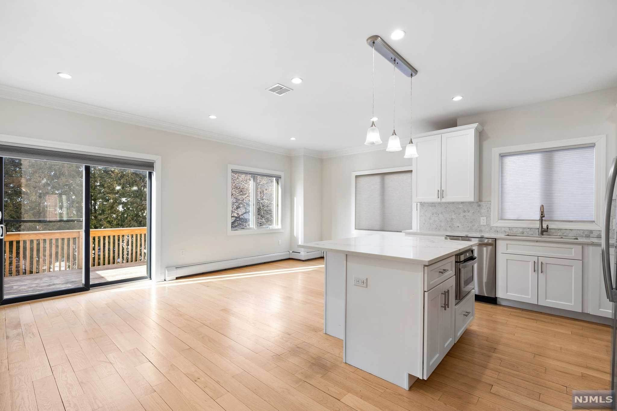 11. Rental Communities for Rent at 263B Hillside Avenue #2 Palisades Park, New Jersey, 07650 United States